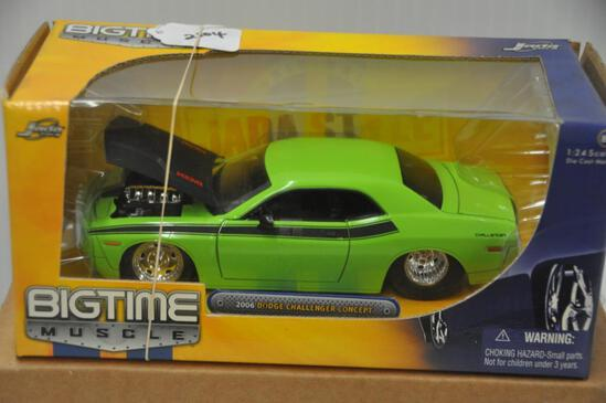 Jada Toys Big Time Muscle 2006 Dodge Challenger Concept
