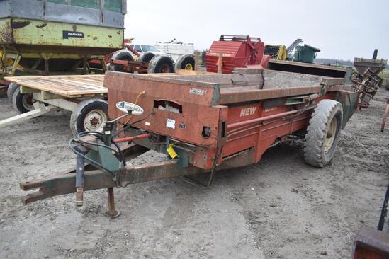 New Idea 216 manure spreader