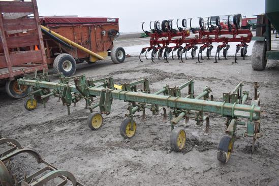 JD 6R cultivator