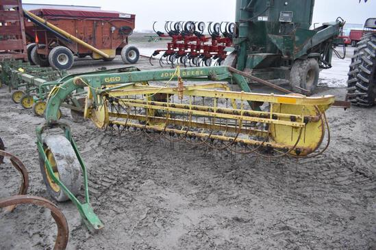 JD 660 basket hayrake