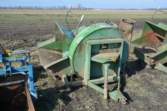 JD 6000 silage blower