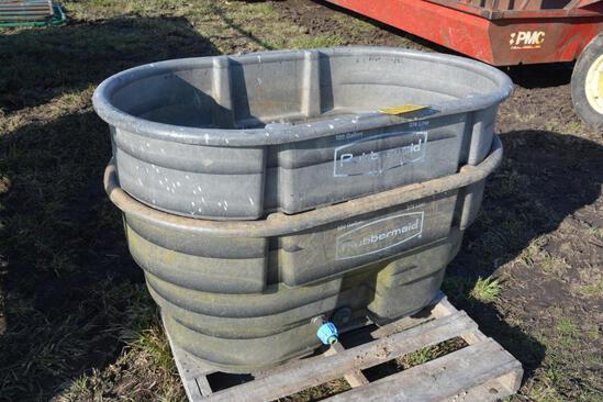 2 Rubbermaid 100 gal. poly tanks