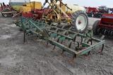 JD 1100 3-pt., field cultivator