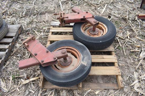 (2) Gauge wheels and tires