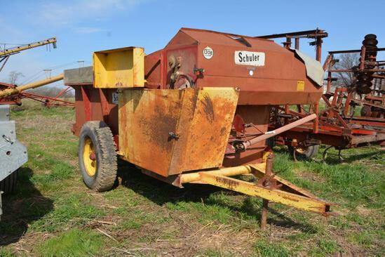 Schuler 120B feed wagon