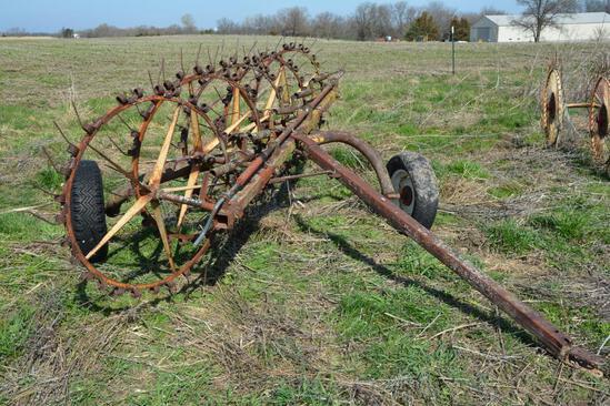 Farmhand 5 wheel hay rake