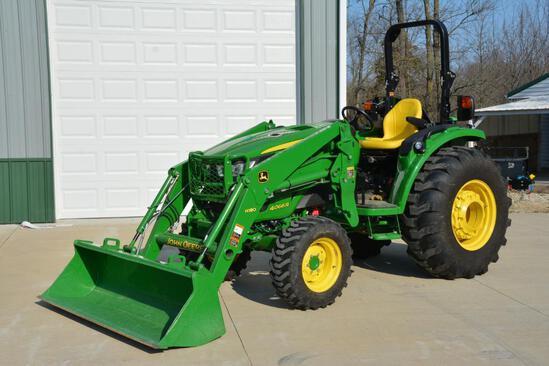 2016 John Deere 4066R MFWD tractor