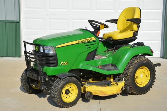 2011 John Deere X720 Ultimate riding lawn mower