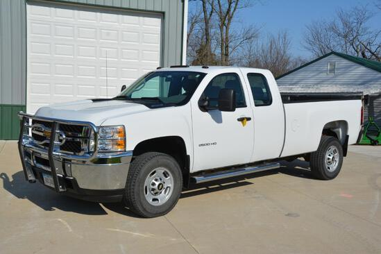 2013 Chevrolet 2500 HD 2wd ext. cab pickup