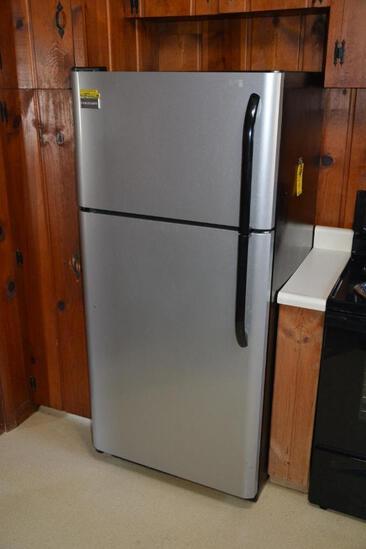 Frigidaire 18 cu. Ft. refrigerator freezer