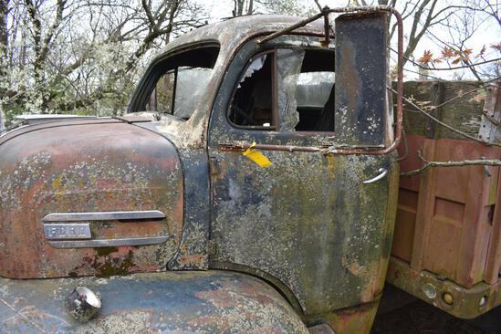 Antique Ford snub-nose grain truck