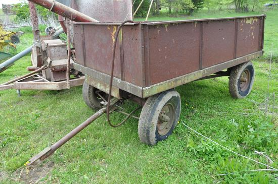 10' x 6' barge wagon w/hoist