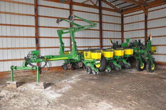 """2011 John Deere 1770NT 12R30"""" planter"""