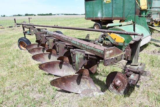 Oliver 566 5-bottom plow