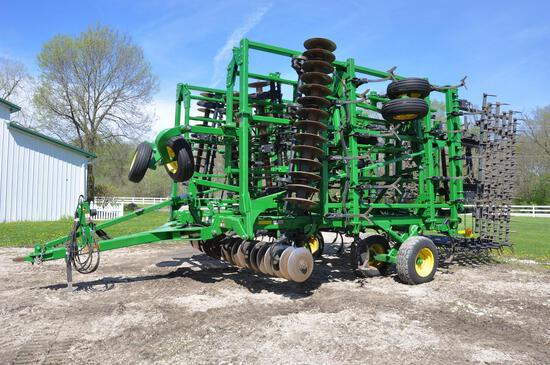 2015 John Deere 2310 45' soil finisher