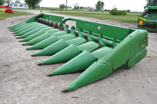 "2009 John Deere 612C 12 row 30"" corn head"