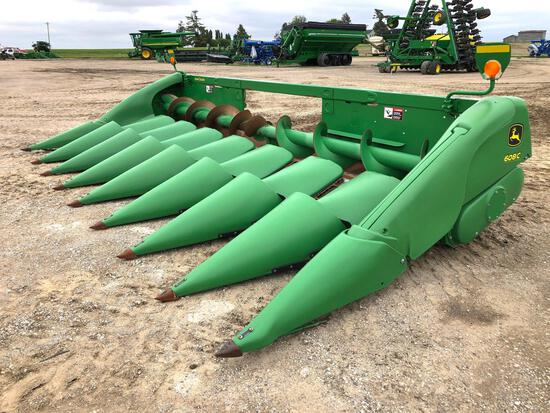 "2013 John Deere 608C 8 row 30"" corn head"