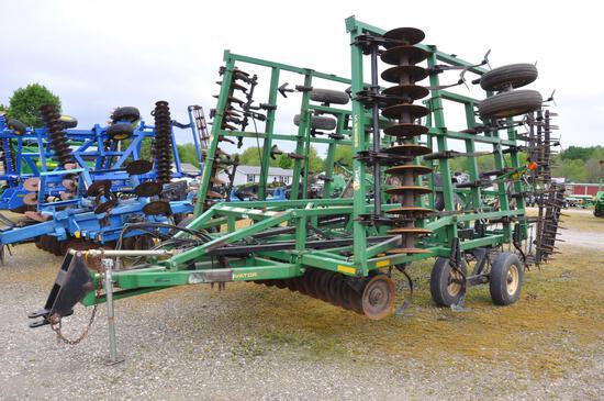 Great Plains 6326 Disc-O-Vator 27' soil finisher