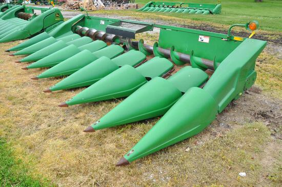 "John Deere 843 8 row 30"" corn head"