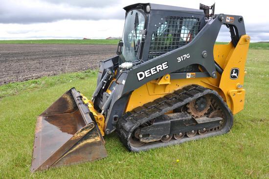 2017 Deere 317G compact track loader