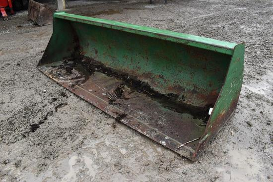 JD 8' loader bucket