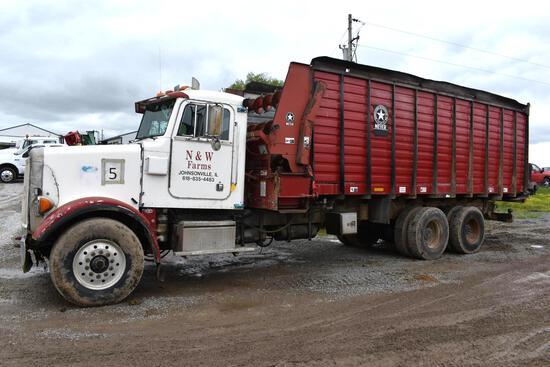 1994 Peterbilt 357 6x4 forage truck