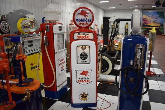 Wayne Mobilgas Special Model 80 Series 1T gas pump