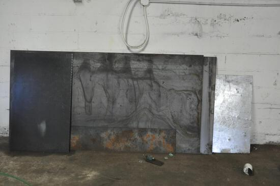 (2) 4' x 8' pieces of flat steel and other flat steel pieces