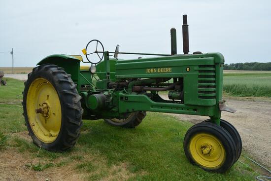 1949 John Deere B NF tractor