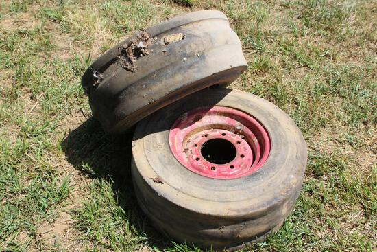 (2) IH 11L-15 rims and tires