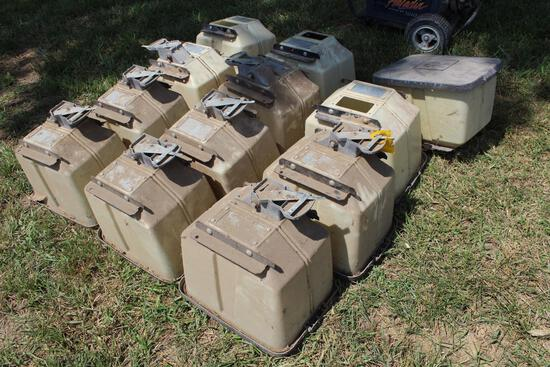 (12) Kinze insectiside boxes
