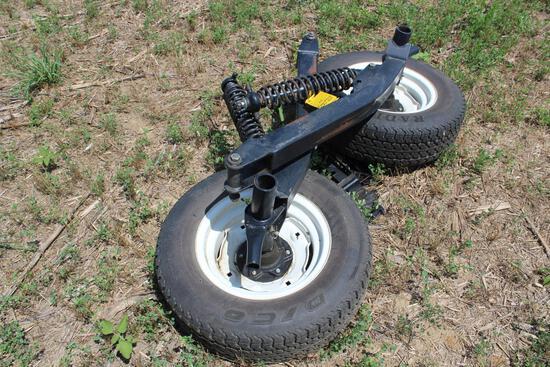 Gauge wheels for MacDon draper head