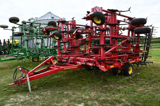2010 Sunflower 5055 44' field cultivator