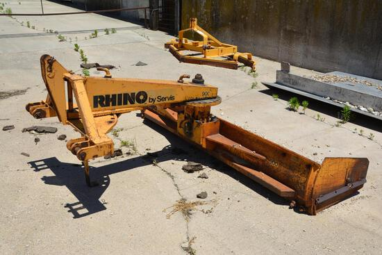 Rhino 900 8' 3-pt blade