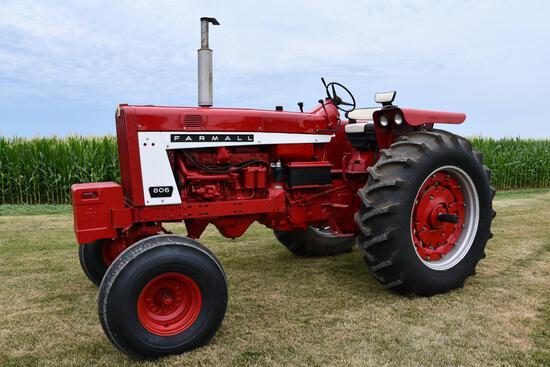 1967 IHC 806 tractor