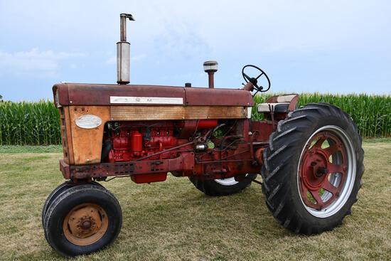 1962 Farmall 460 tractor