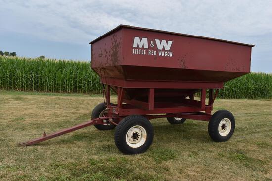 M&W 200B gravity wagon