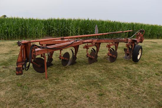 "Allis Chalmers 2000 5-18"" semi-mounted plow"