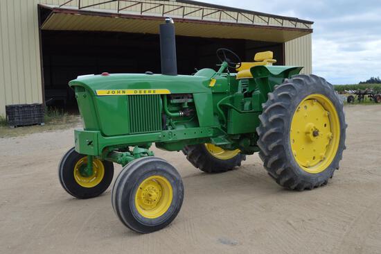1970 John Deere 2520 gas tractor