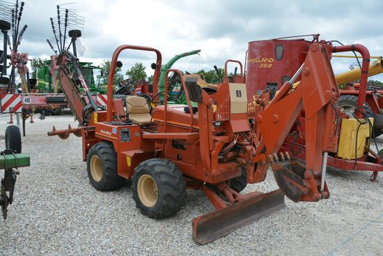 Ditch Witch 5400 4wd trencher