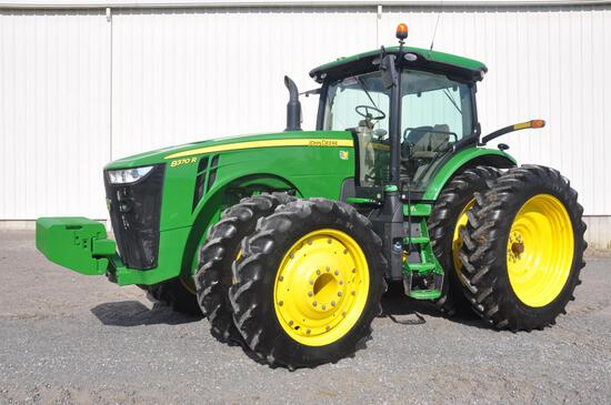 2014 JD 8370R MFWD tractor