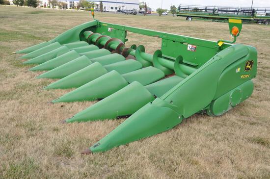 "2012 JD 608C 8 row 30"" corn head"