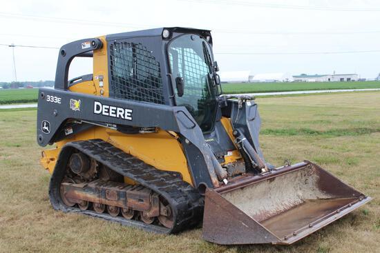 2016 JD 333E compact track loader
