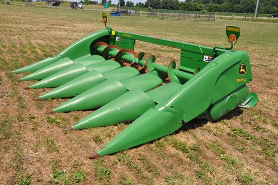 "2011 JD 606C 6 row 30"" corn head"