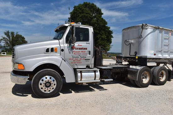 2000 Sterling A9500 day cab semi