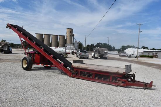 """Feco HPC30A 30""""x40' conveyor loader"""