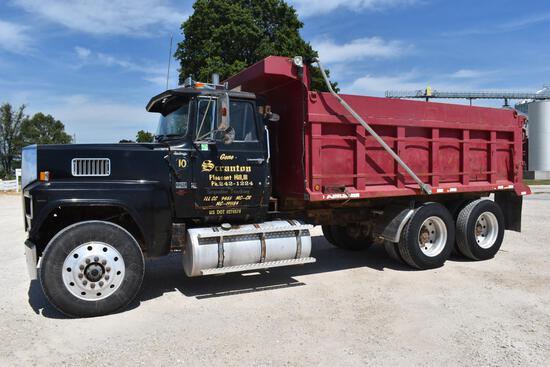 1989 Ford LTL9000 dump truck