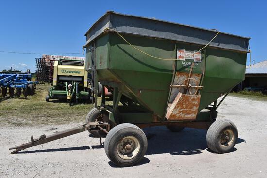 Huskee model 225 gravity wagon