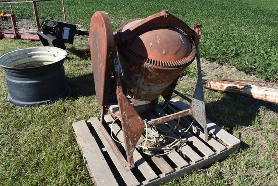Montgomery Ward GIL26470A cement mixer
