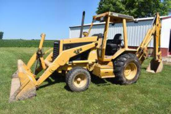 ?86 Cat 426 2WD backhoe